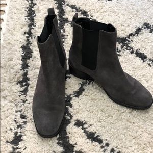 Kenneth Cole reaction grey suede Chelsea boots